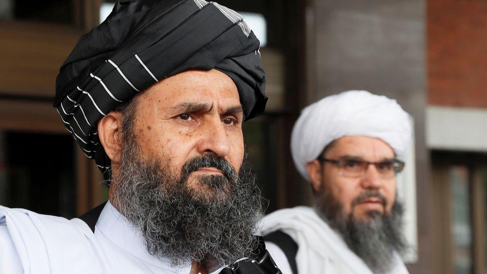 Mullah Baradar (L.): Der politische Kopf der Taliban wurde seit Tagen nicht gesehen