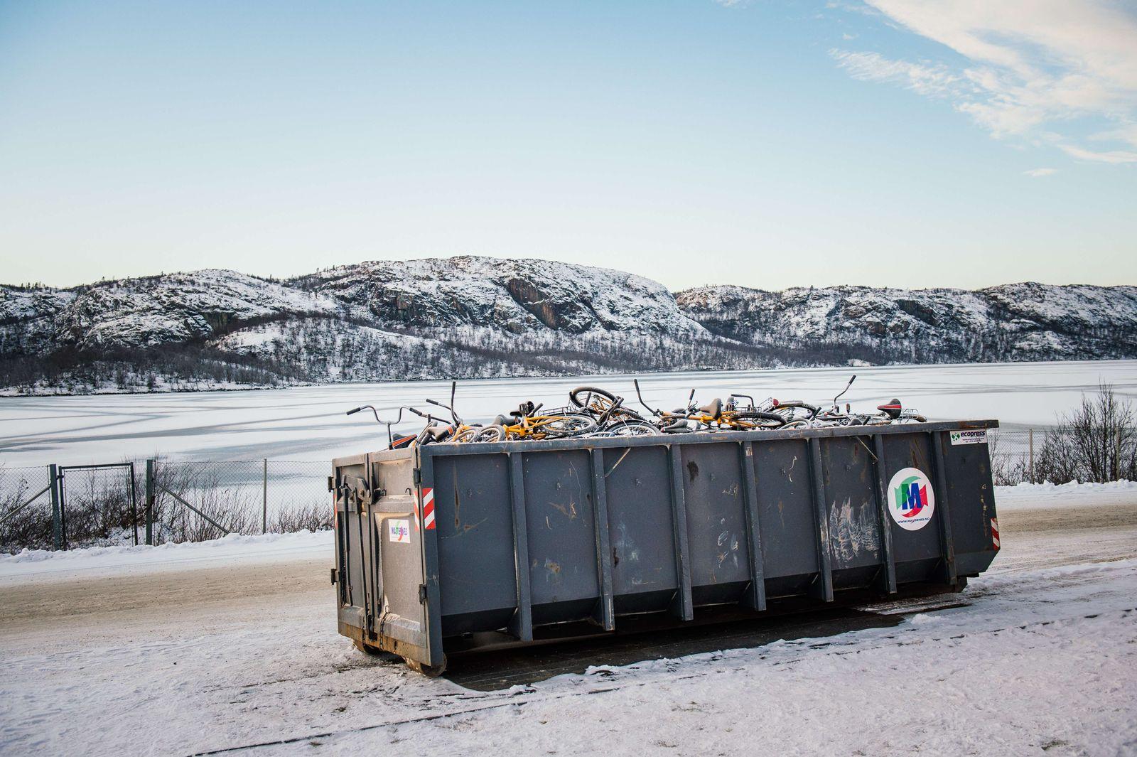 norwegen flüchtlinge fahrräder