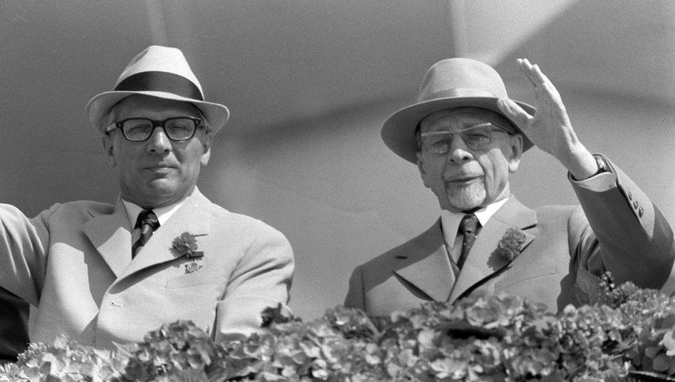 Honecker und Ulbricht auf Maiparade