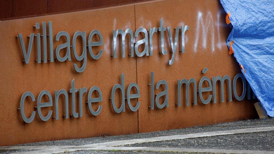 Der Eingang der Gedenkstätte in Oradour-sur-Glane
