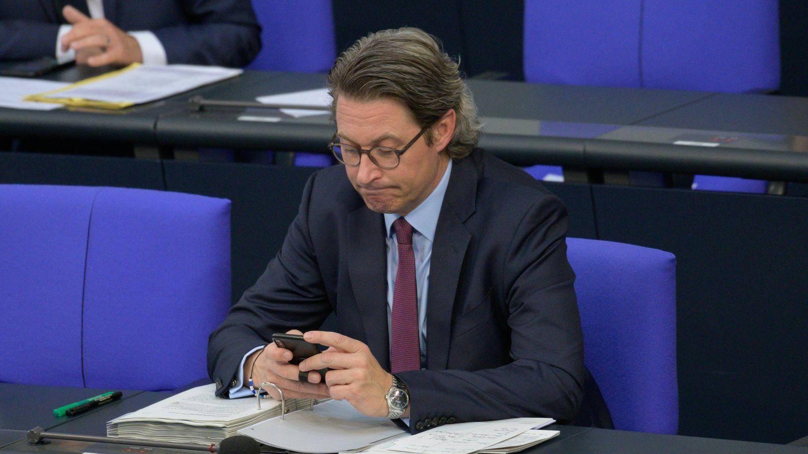 Berlin GER, Berlin, Fragestunde im Deutschen Bundestag ,22.04.2020 Andreas Scheuer - CSU - Mitglied des Deutschen Bundes