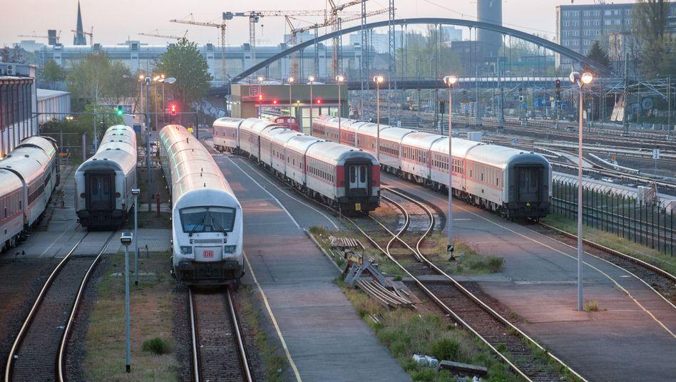 Chaoswoche für Reisende: Weselsky lehnt Schlichtung im Bahnstreik ab