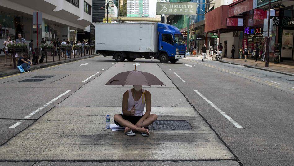 Massive Proteste, leere Geschäfte: Hongkongs Wirtschaft leidet