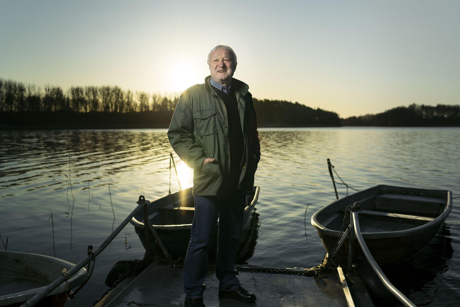 Politiker Werner Gustav Schulz (Bündnis 90/Die Grünen) an seinem Wohnort Kuhz, am Kuhzer See, Uckermark/Brandenburg