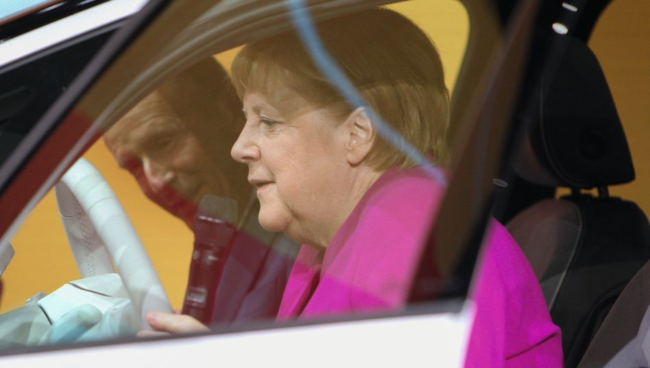 VW-Chef Diess, Kanzlerin Merkel:Zu wenig Verhandlungsspielraum