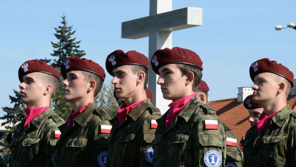 Polnische Jugendliche (bei einer Gedenkveranstaltung zum Zweiten Weltkrieg)
