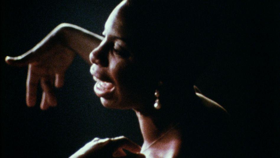 Nina Simone: Themen der Gleichberechtigung auf intimerer Ebene