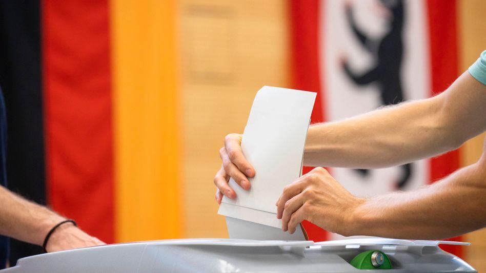 Wahllokal in Berlin: »Wir sind an einem Punkt, wo alles rauskommen kann«