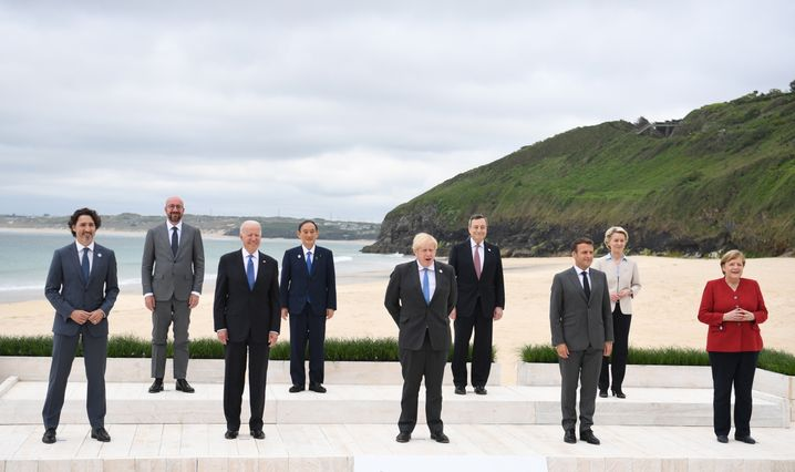 Die Staats- und Regierungschefs der G7 posieren zum Start des Gipfels im britischen Cornwall