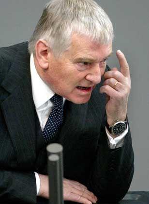 Innenminister Schily: Drängen auf neue Beweise
