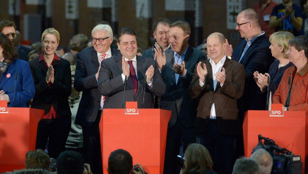 SPD-Mitgliederentscheid: Genossen bejubeln Schwarz-Rot