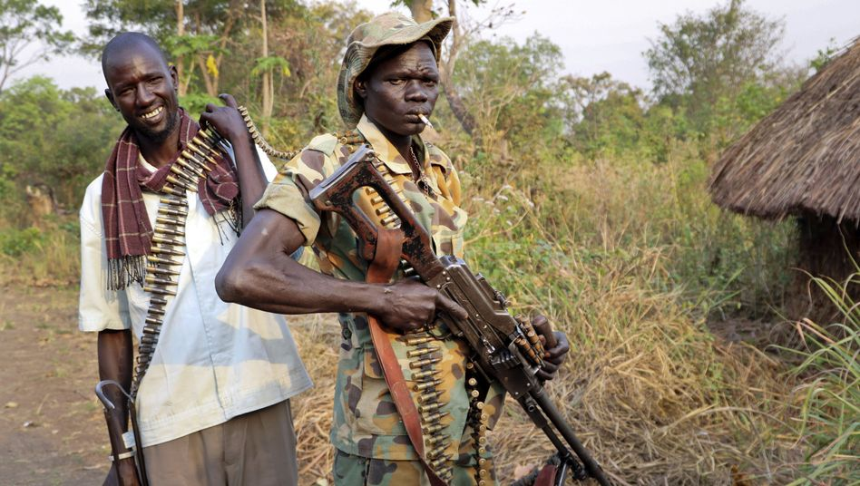Oppositionelle Kämpfer in Panyume, Central Equatoria, Südsudan, im Januar