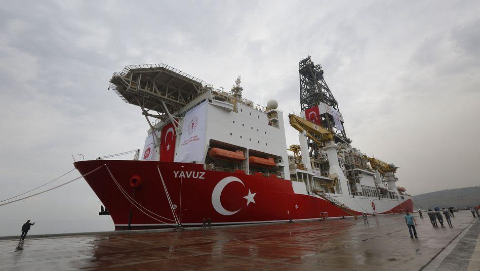 """Das türkische Bohrschiff """"Yavuz"""" ist vor der Ostküste Zyperns angekommen"""