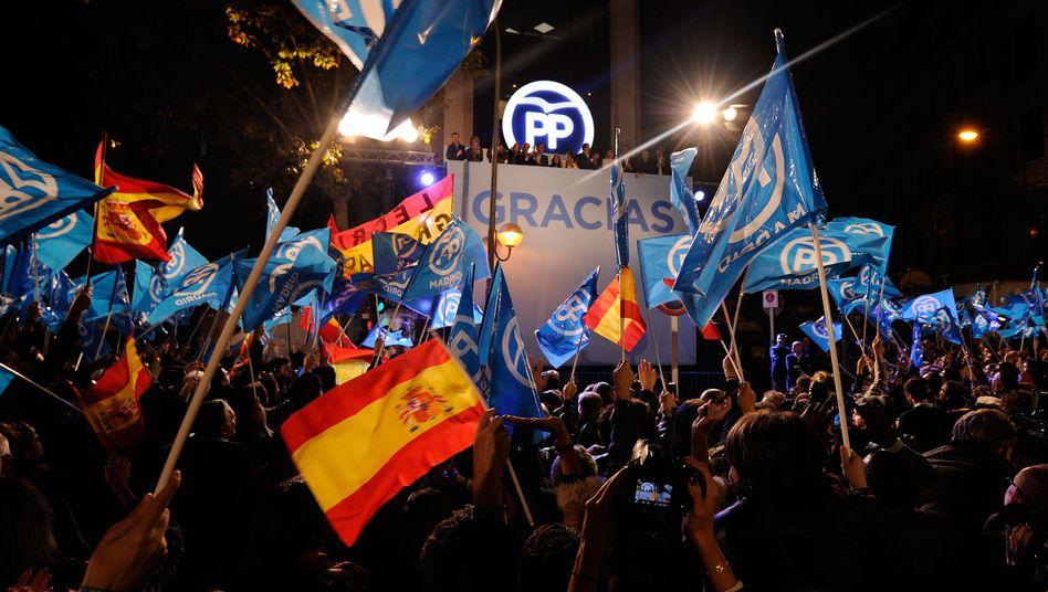 """PP-Anhänger in Madrid: """"Wir haben die Wahl gewonnen"""""""