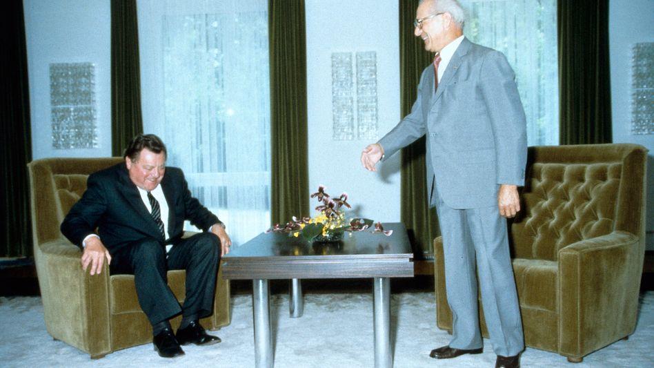 Gesprächspartner Strauß, Honecker im Jagdschloss Hubertusstock 1983
