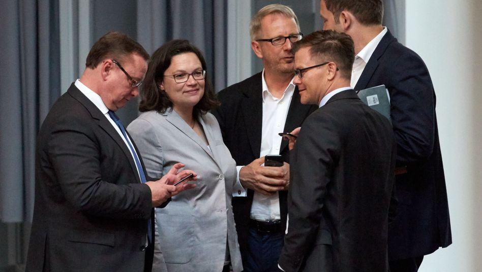 SPD-Spitzen Andrea Nahles, Johannes Kahrs (Mitte)