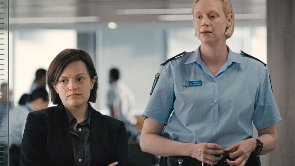 Darstellerinnen Elisabeth Moss, Gwendoline Christie in »Top of the Lake: China Girl«