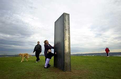 """Monolith von Seattle: """"keine Wagenspuren, noch nicht einmal platt getretenes Gras"""""""