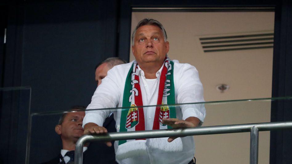 Viktor Orbán im Stadion
