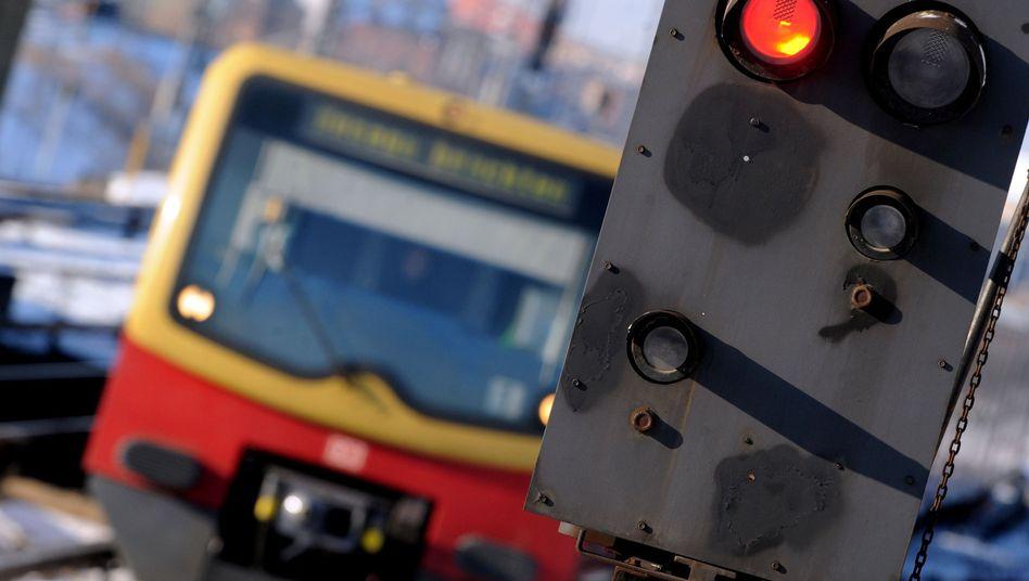S-Bahn in Berlin: Hohe Kosten für den Mutterkonzern
