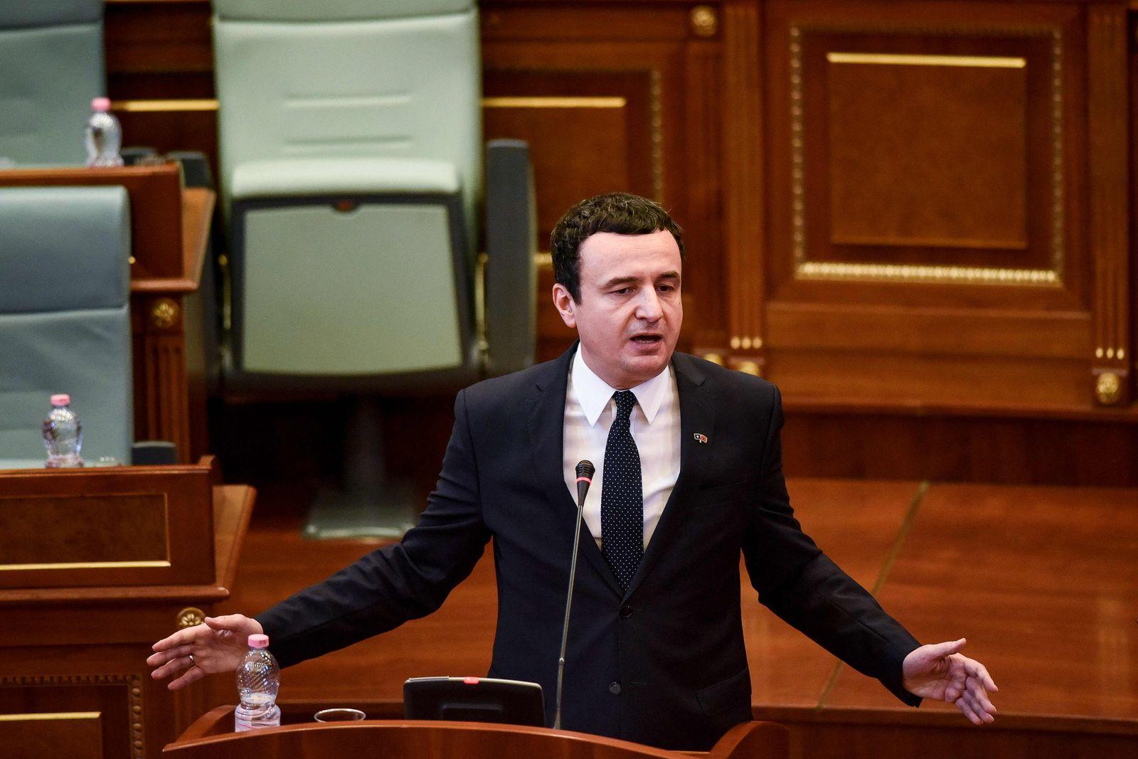 FILES-KOSOVO-POLITICS-GOVERNMENT-VOTE