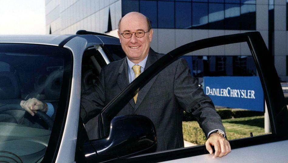 Wolfgang Schrempp: Nimmt fünf Jahre nach seinem Bruder Abschied von Daimler