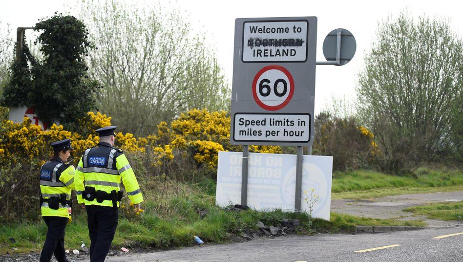 Irlands Ministerpräsident Leo Varadkar liebäugelt bei einem harten Brexit mit grenznahe Kontrollen zu Nordirland