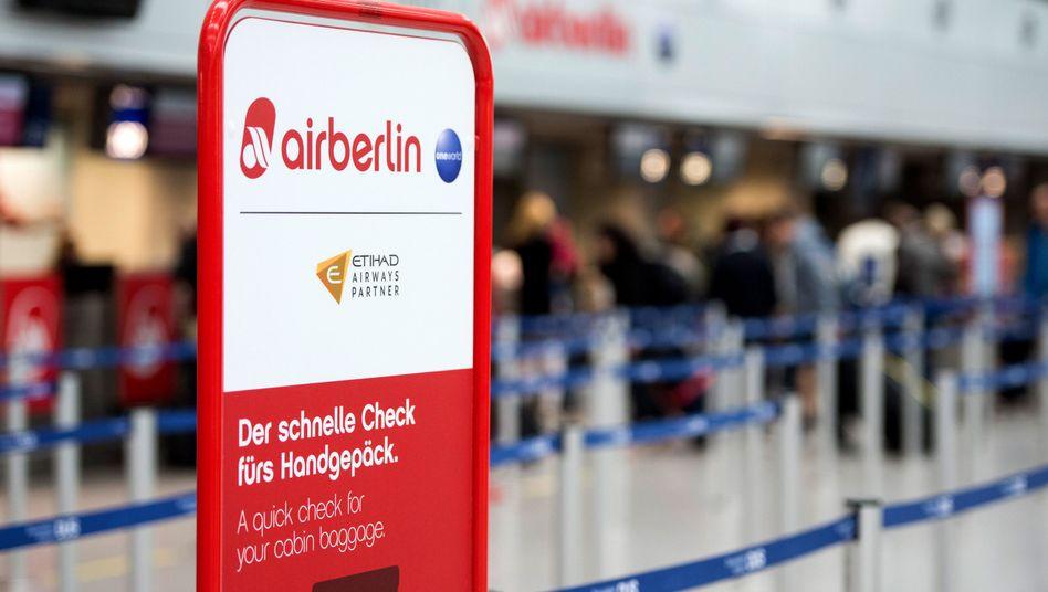 Gemeinsamer Check-In von Air Berlin und Etihad (Archiv)