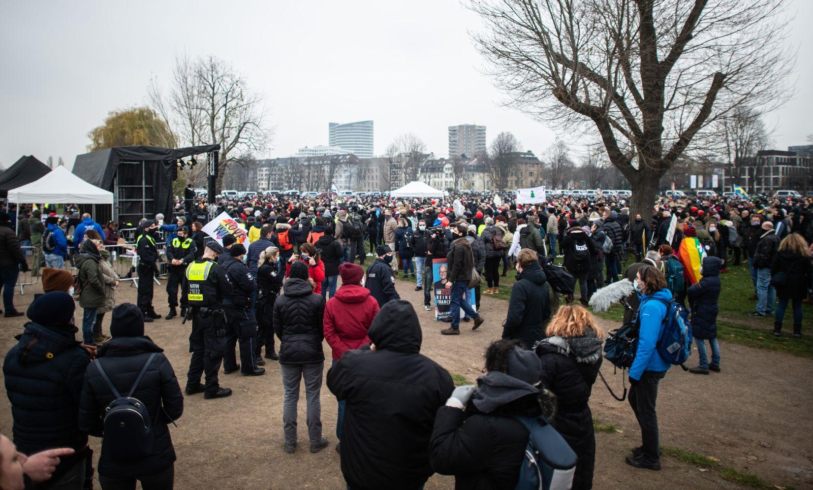Coronavirus - Demonstration in Düsseldorf