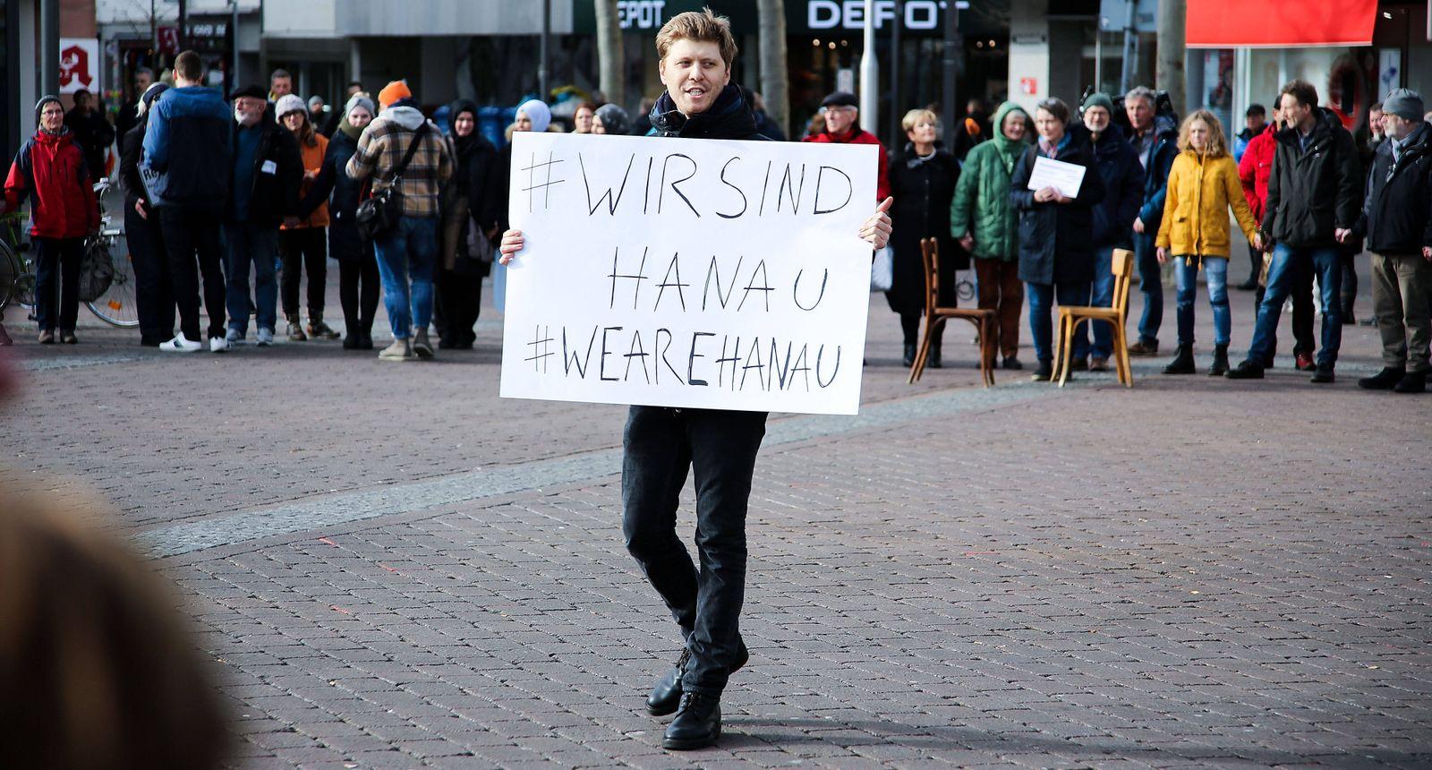 21.02.2020, xpsx, Lokal Hanau Bluttat in Hanau, Bluttat, Terror, Schiesserei, Mord, Tot , Gedenkfeier, Tobias R, Terror