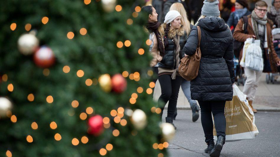 Weihnachtseinkäufe: Im Windschatten der Käufer freuen sich viele Banken auf ein großes Geschäft