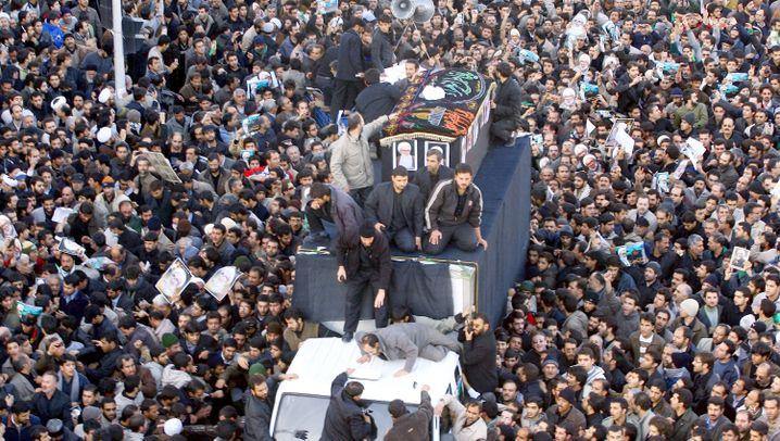 Beerdigung des Großajatollahs: Massentrauer und Zorn