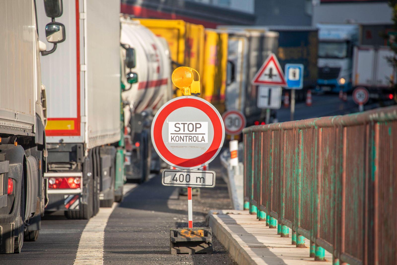 200415 Grenze. In der Coronakrise hat Tschechien ein Einreise- und Ausreiseverbot erlassen. Das wurde seit Dienstag gelo