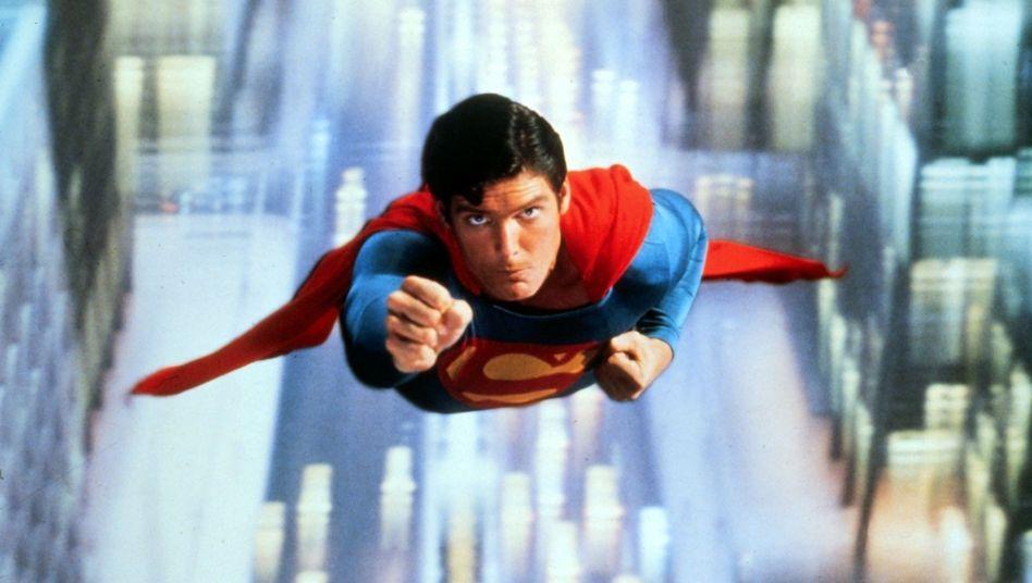 Fleischgewordener Superlativ: Superman im gleichnamigen Film, gespielt von Christopher Reeve