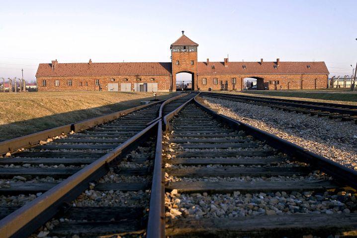 Haupteingang von Auschwitz-Birkenau, deutsches Konzentrationslager in Polen