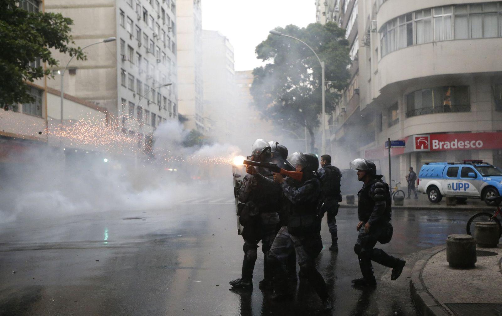 Rio Gewalt Polizei Granaten