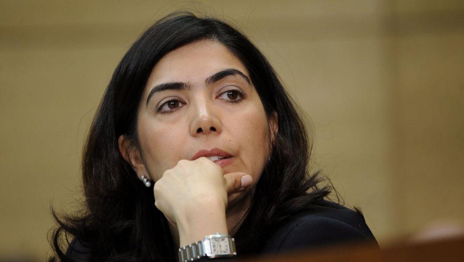 Sozialministerin Aygül Özkan: Ministerpräsident geht auf Distanz