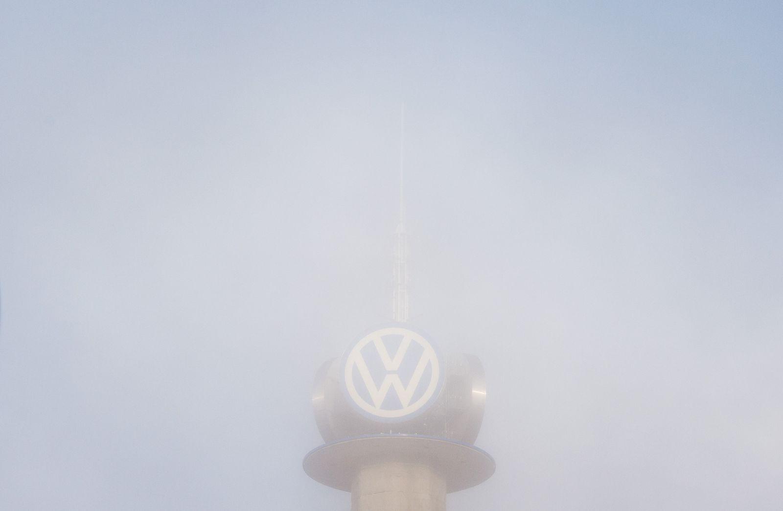 Volkswagen im Nebel