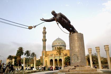Sturz der Saddam-Statue in Bagdad (2003)