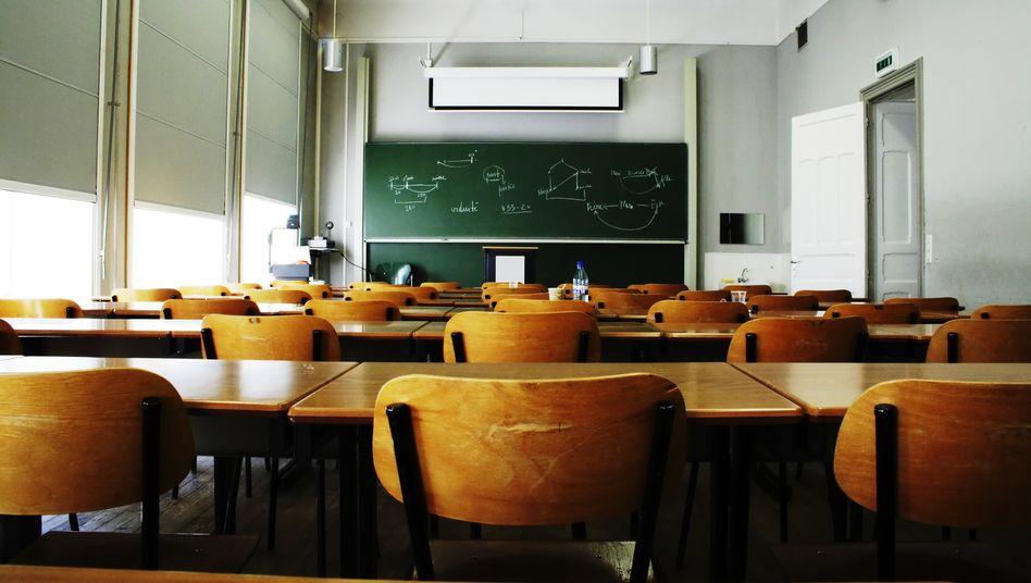 Noch sind viele Klassenzimmer den Großteil des Tages leer, aber nach den Sommerferien soll der Unterricht wieder regulär starten