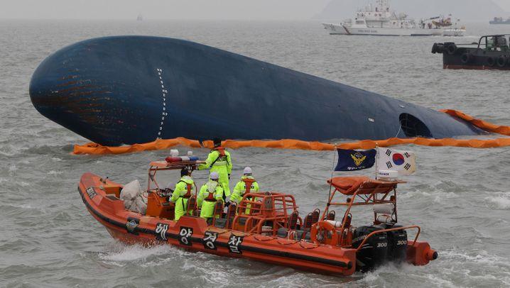 """Untergang der """"Sewol"""": Suchaktion vor Südkoreas Küste"""