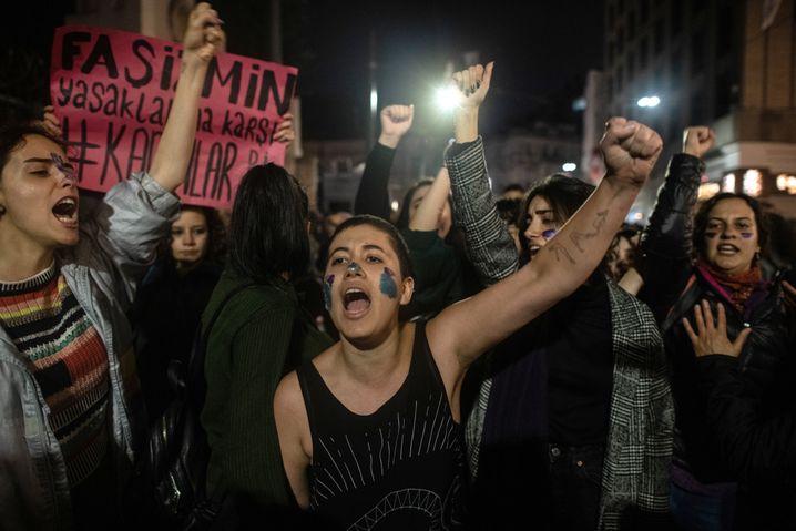 Gewalt gegen Frauen ist in der Türkei ein verbreitetes Problem