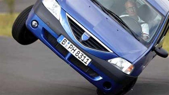 Dacia Logan: Dachlandung beim Elchtest