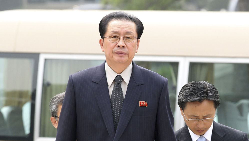 Nordkoreas Chang Song Taek: Entlassen und exekutiert