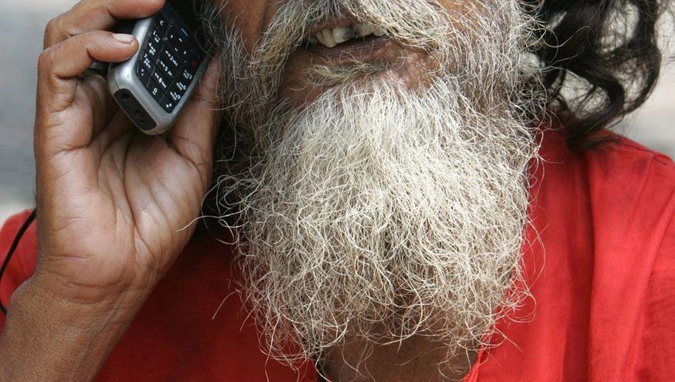 Hindu mit Handy: Indiens Regierung plant umfassendes Überwachungssystem