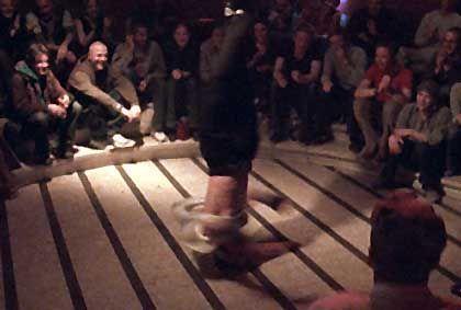 Osama von der Breakdance-Truppe 5 Amoks: Respekt und Liebe