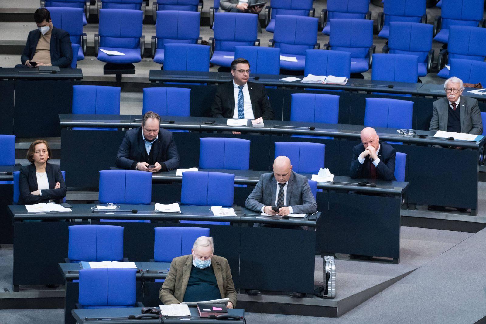 Berlin, Plenarsitzung im Bundestag Die AfD Bundestagsfraktion während der Sitzung des Deutschen Bundestags am 26.02.202