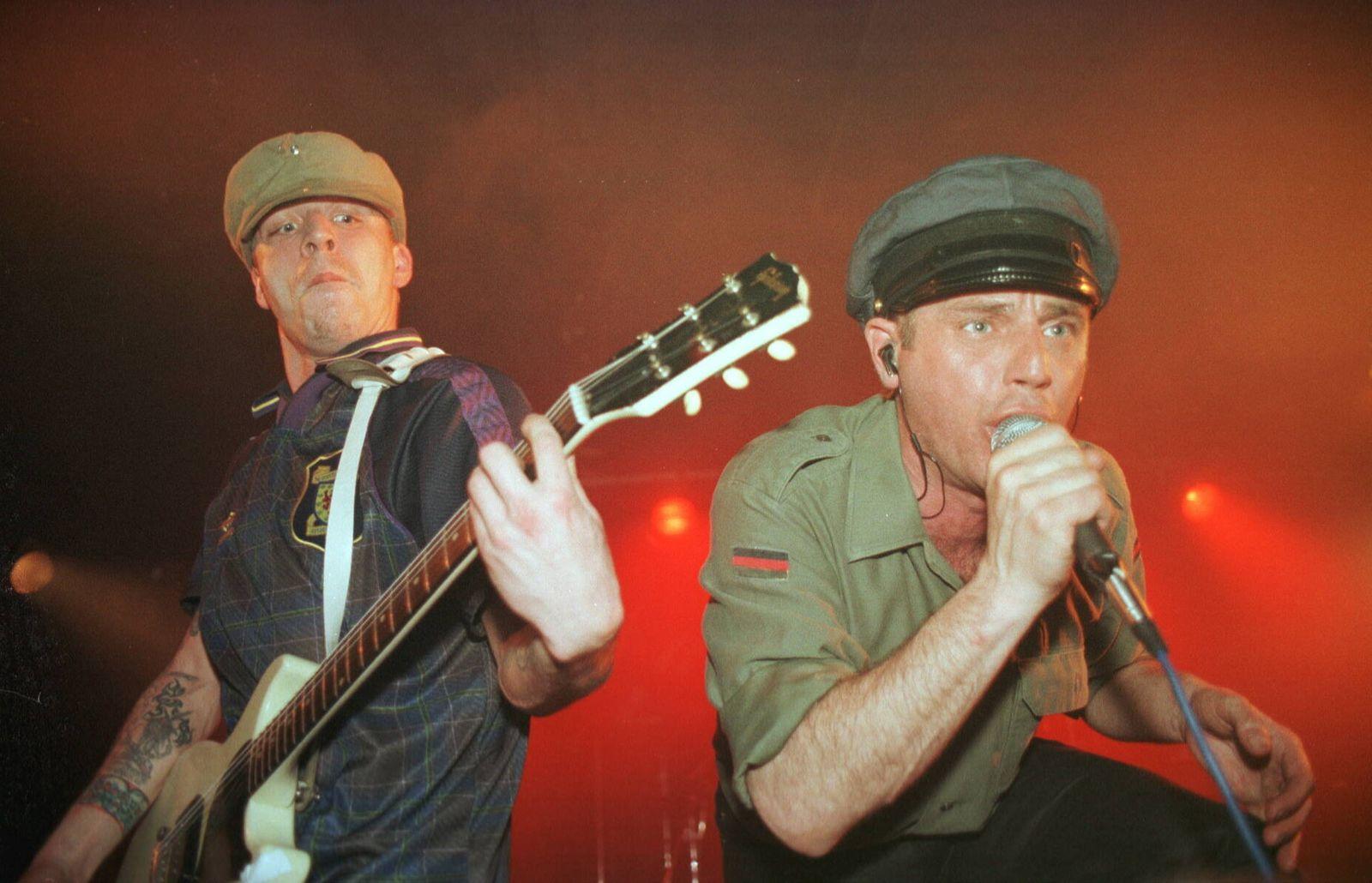 1/ Extrabreit im Loft, Berlin voc, g, live, deutsch, rock, musik, *** 1 extra width in the loft, Berlin voc, g, live, ge