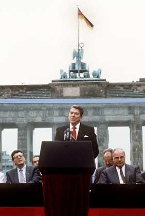 """Ronald Reagan (1987): """"Herr Gorbatschow, öffnen Sie dieses Tor!"""""""