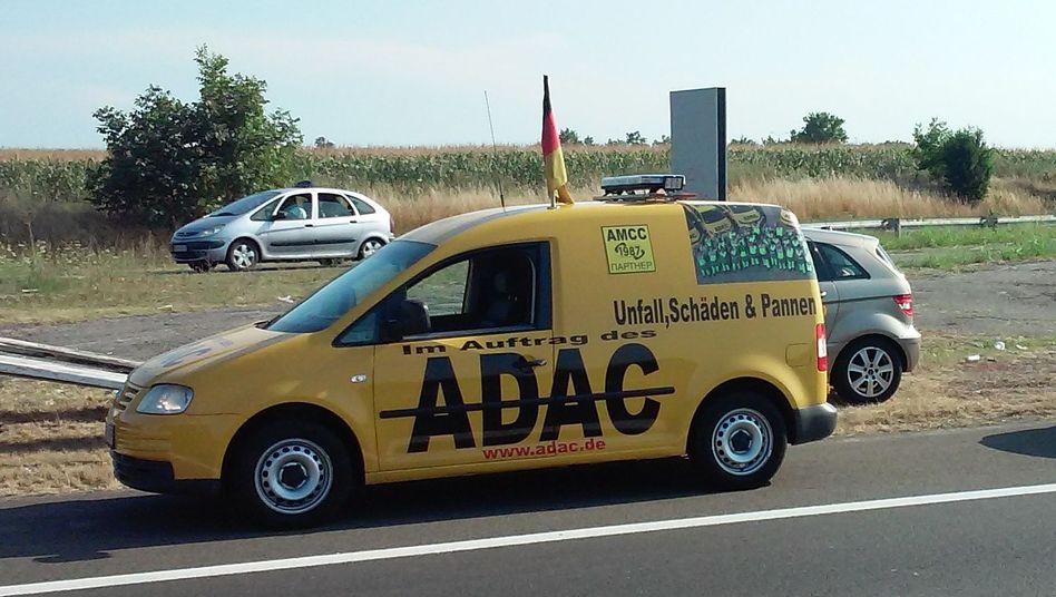 Falscher ADAC-Pannenhelfer